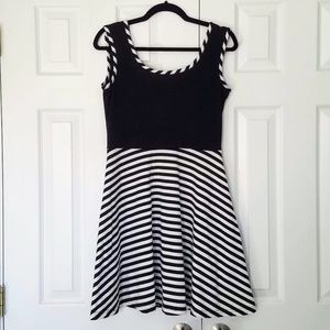 ModCloth Sonata Black White Stripe Dress Sz L